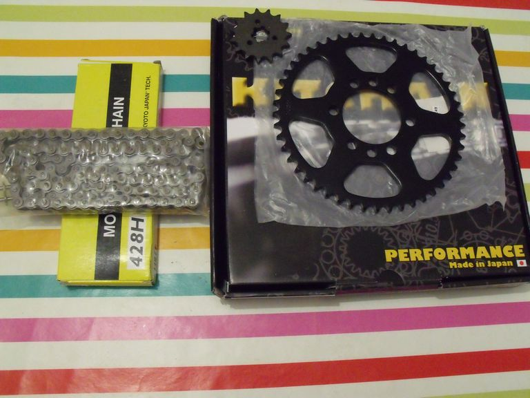 Kit-chaine renforcé, 15 x 49, ISO 9001, Yamaha 125DTMX; promo