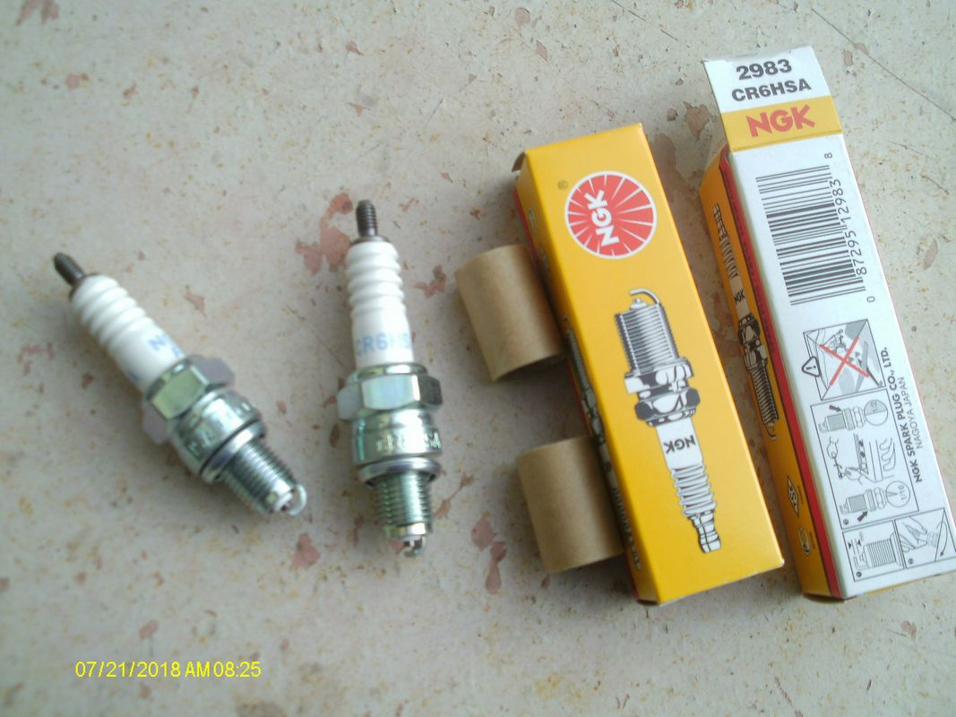 Bougies NGK CR6HSA (x2) Honda 125CA, 250CMX Rebel & TwooFifty: