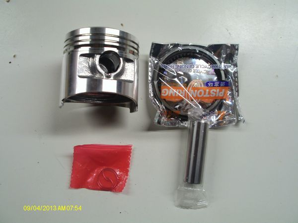 Honda 125CBS3 & CBN: Kit piston complet, cote 0.25